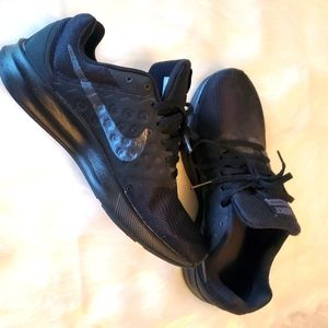 NIKE Downshifter 7 Womans Running Shoes